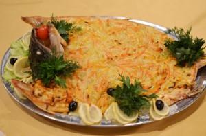 Форель, фаршированная овощами
